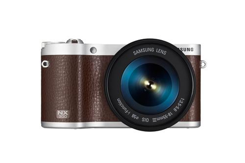 Samsung NX 300 + 18-55mm (Braun)