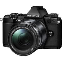 Olympus OM-D E-M5 Mark II + M.ZUIKO ED 14-150mm (Schwarz)