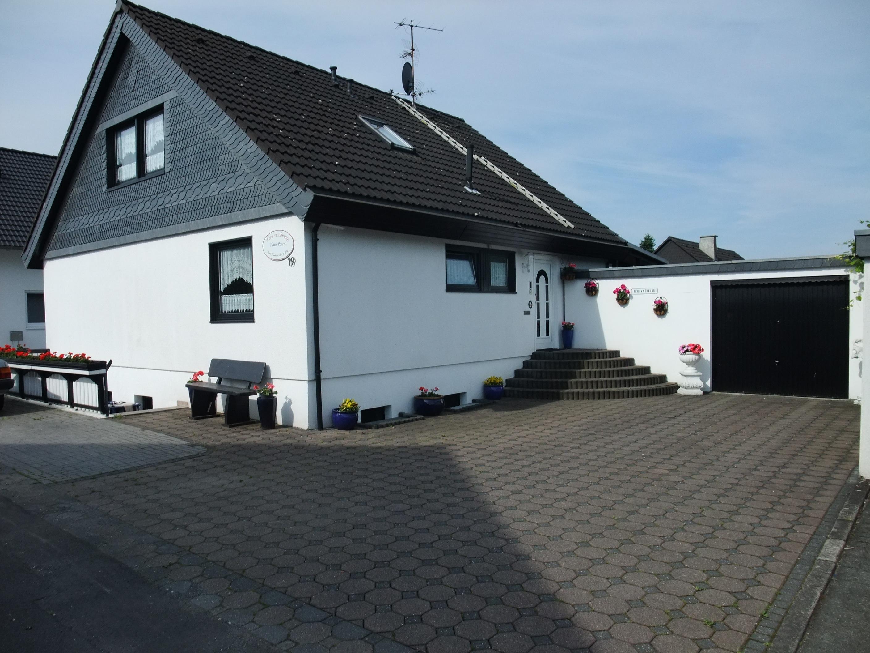 Ferienwohnung Haus Rosen • Neunkirchen Seelscheid Im